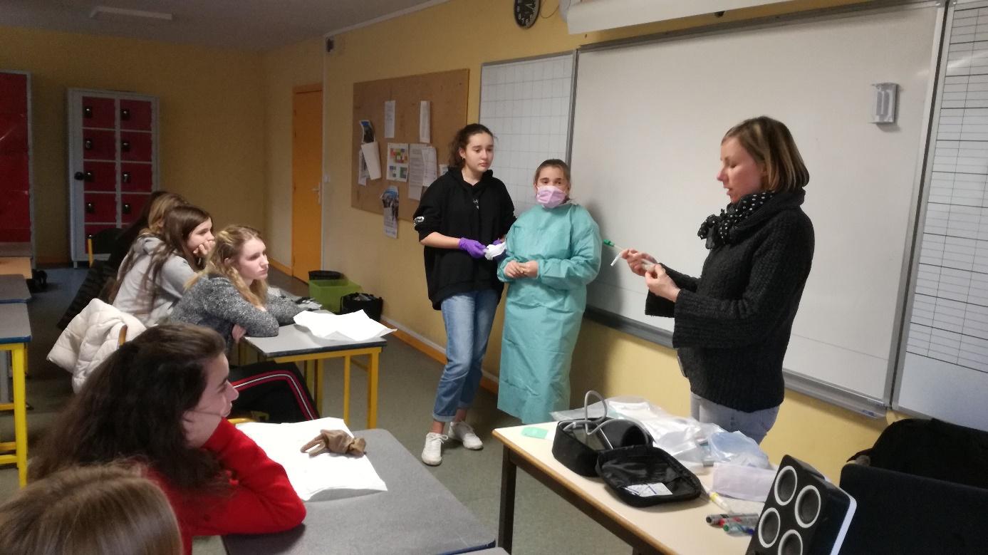 intervention de professionnels de la santé et de l'artisanat auprès des classes de 3ème