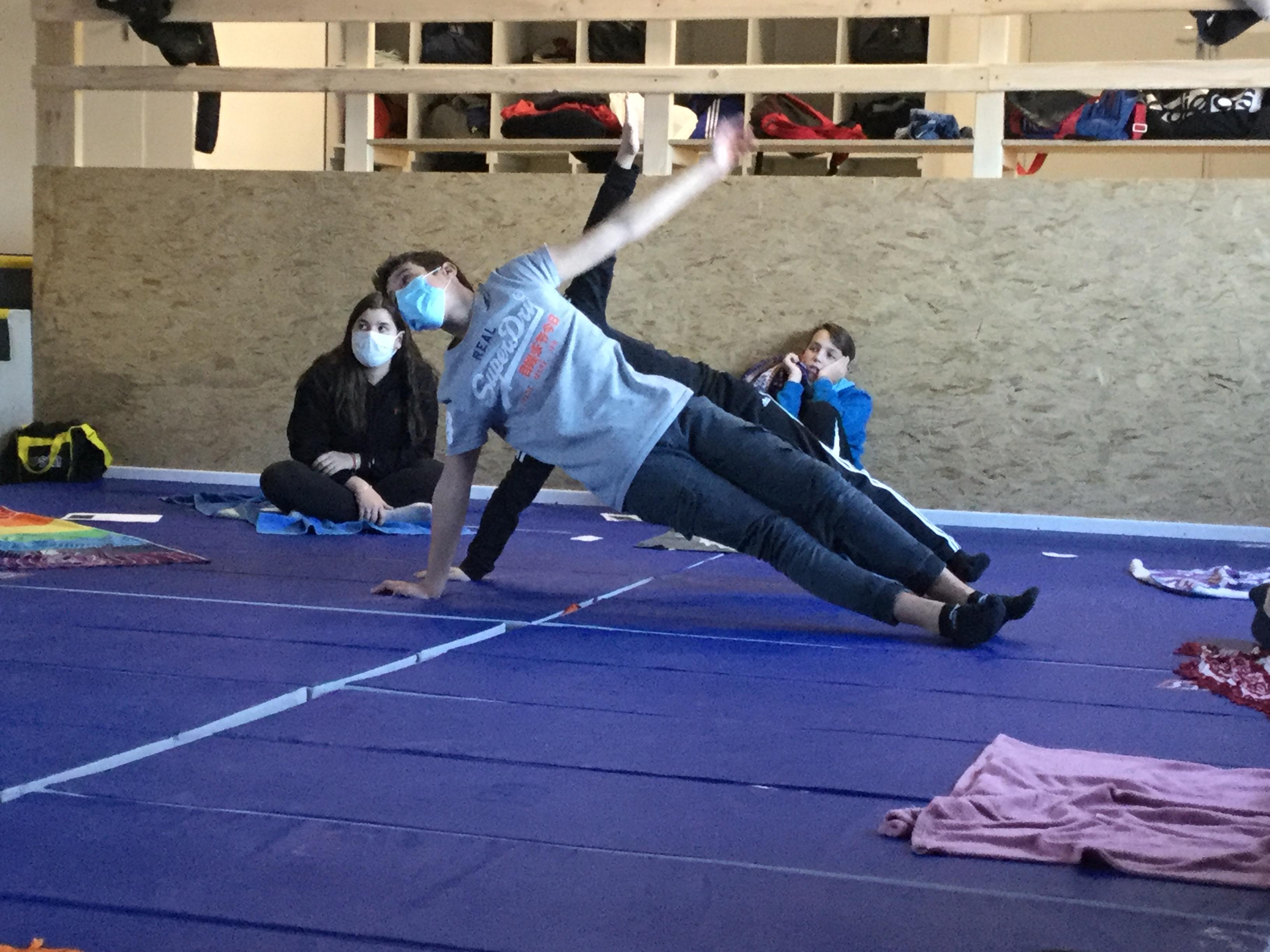 Le yoga s'invite au collège